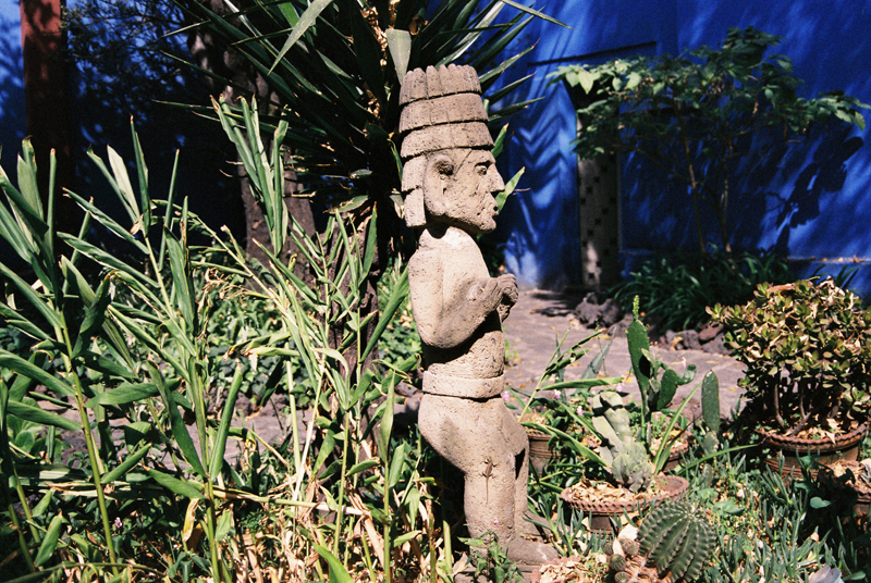 A Pre-Hispanic statue in the Casa Azul's garden.