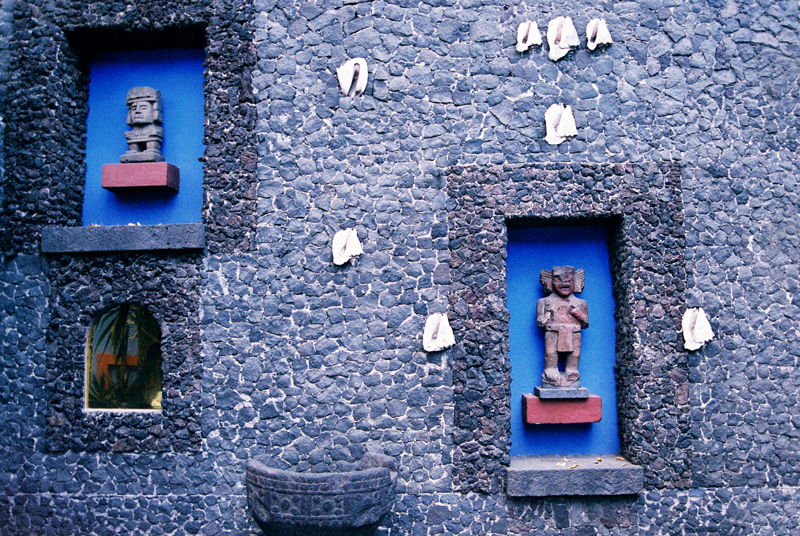 Outside La Casa Azul in the courtyard: a wing added on by Diego Rivera in volcanic stone and incrusted shells.