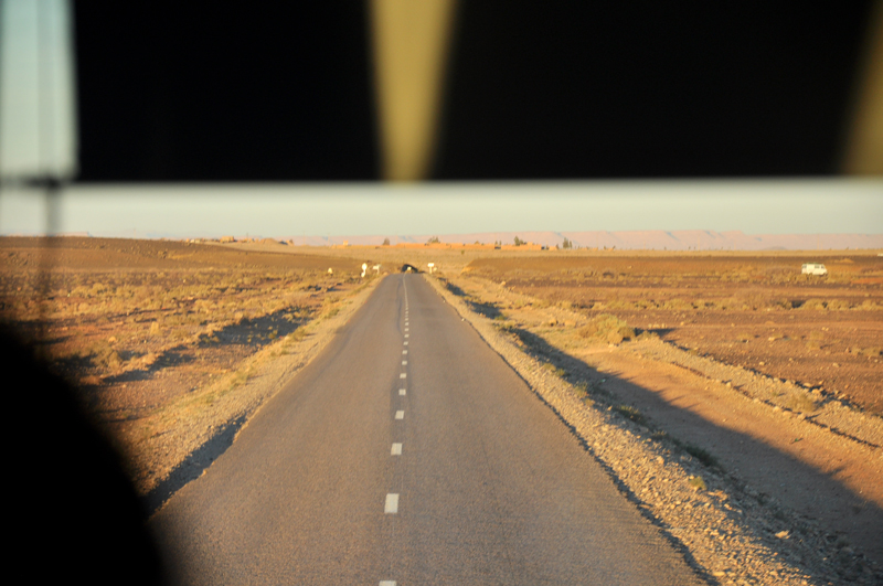 On the road towards Hassi Labied near Merzouga.